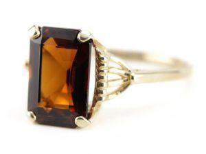 A marvelous Dravite ring